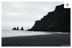 Felssäulen Reynisdrangar nahe Vík