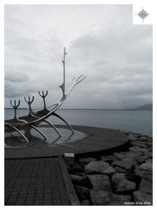 """Skulptur """"Sonnenfahrt"""" des Künstlers Jón Gunnar Árnason"""